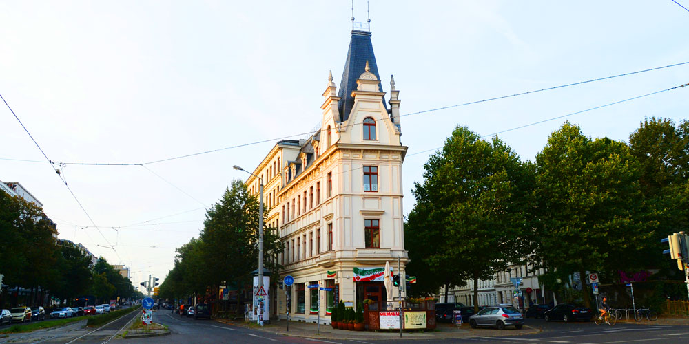 Kochstraße 1 im Sonnenuntergang